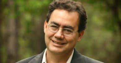 Augusto Cury - Um ex-ateu que se converteu ao analisar a mente de Jesus