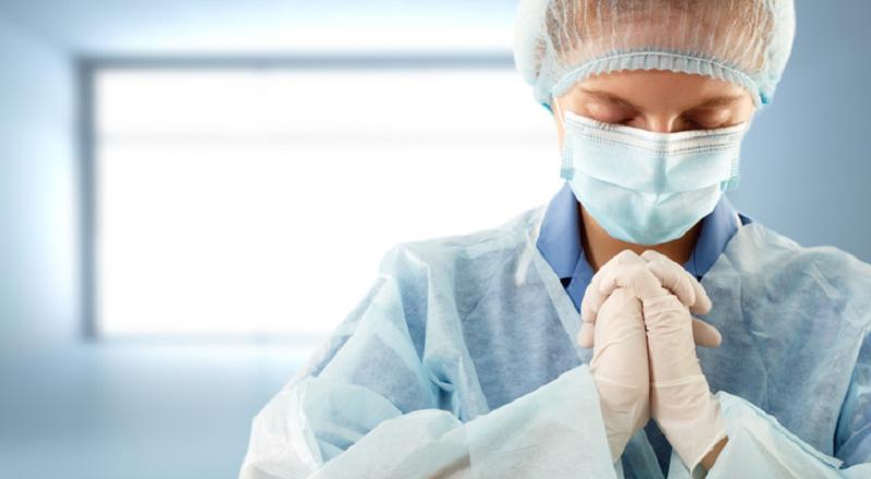 A ciência agora comprova o poder de cura através da fé e oração (pesquisador ateu se converteu diante dos resultados)