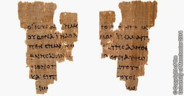 """P-52' Papyrus Ryl. Gr. 457, i J. Rylands Library, conhecido como o """"fragmento de São João"""" contém os textos dos versículos 18:31–33, 37–38 do Evangelho de João (frente e verso). Imagem fonte: The University of Manchester - Rylands Papyri Collection"""