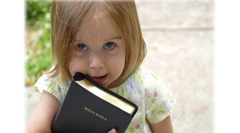 Pesquisa indica que prática da fé na infância afasta jovens das drogas